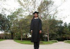 college-graduate-on-campus_BtoSl4ASo
